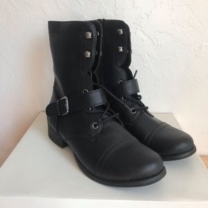 NWB Style & Co Black Zip Up Women's Boots Size 6.5